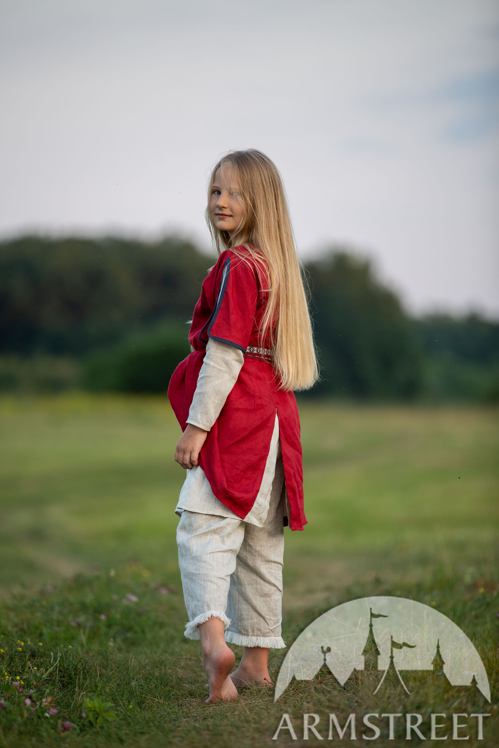 https://armstreet.com/catalogue/full/childrens-linen-tunic-with-contrasting-border-first-adventure-13.jpg
