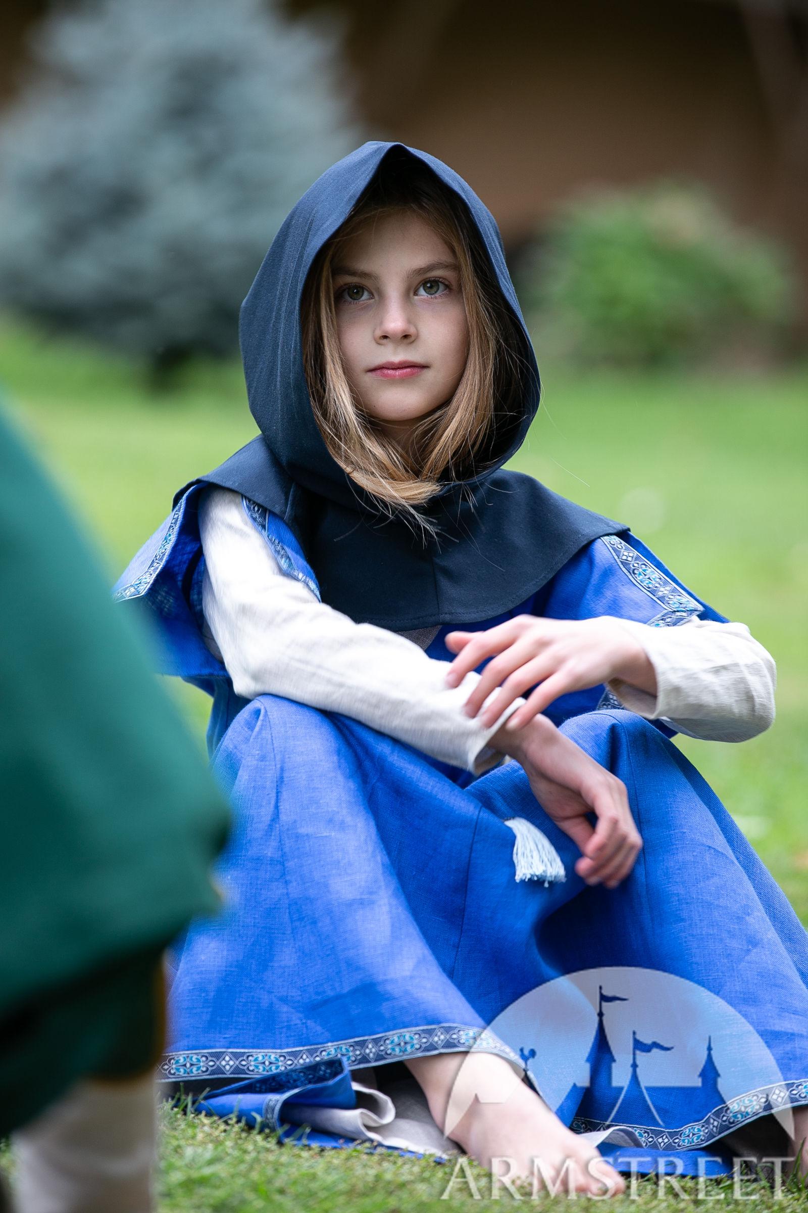 https://armstreet.com/catalogue/full/cotton-hood-for-kids-first-adventure-childrens-chaperon-4.jpg