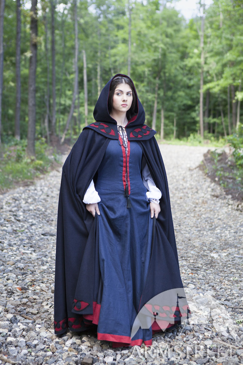 "Medieval woolen cloak and linen dress collection ""Forget Me Not"""