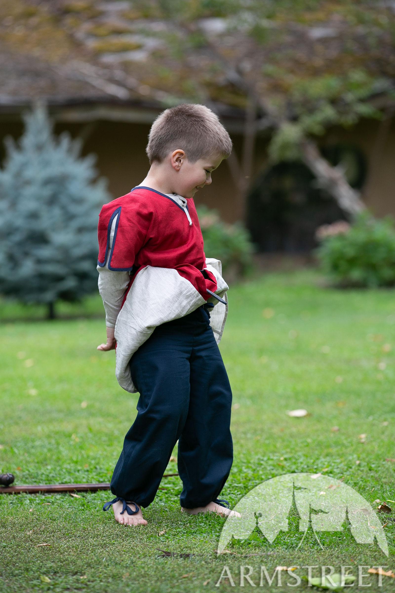 https://armstreet.com/catalogue/full/kids-cotton-medieval-pants-first-adventure-for-children-2.jpg