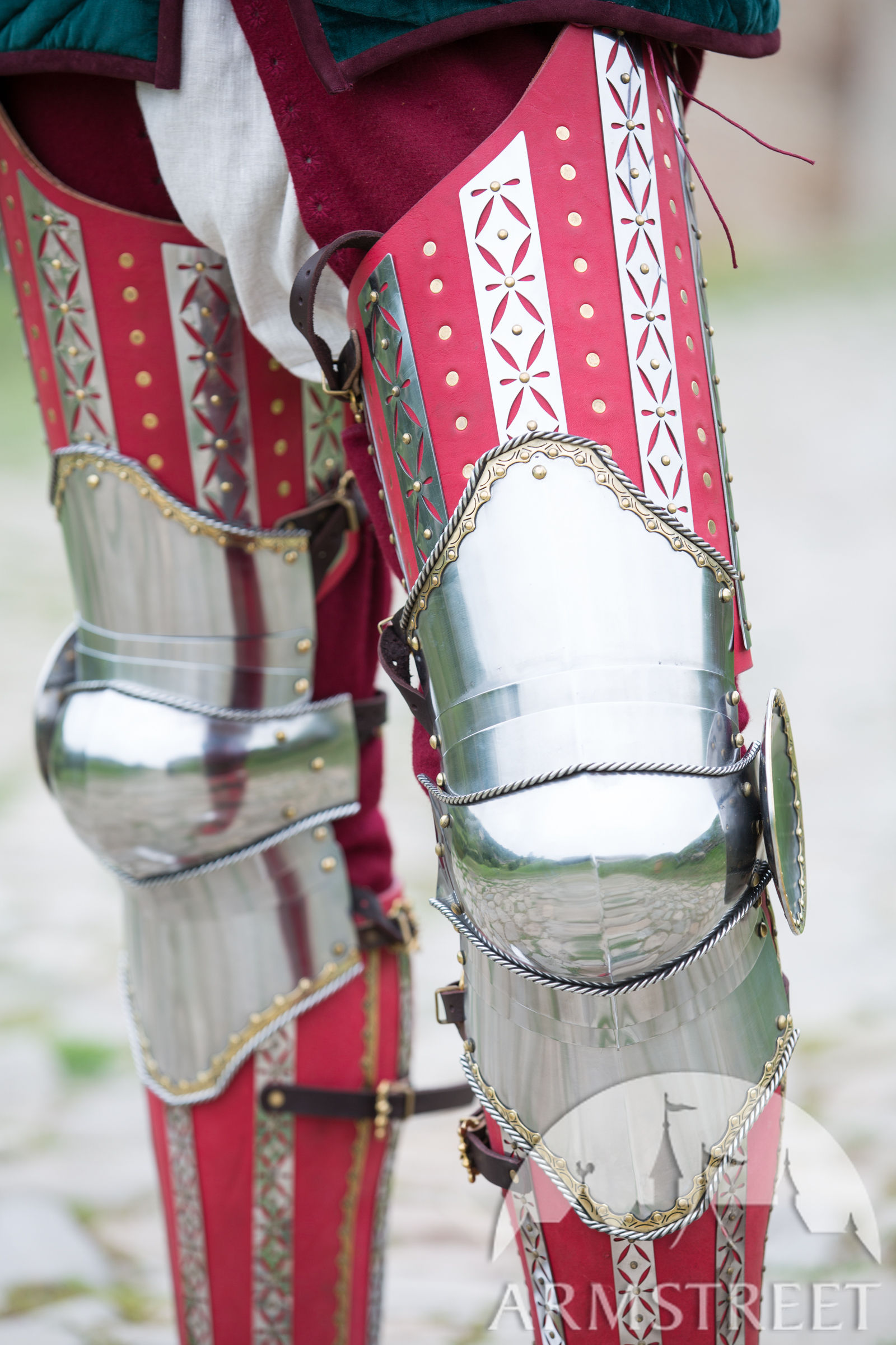 kingmaker legs close up
