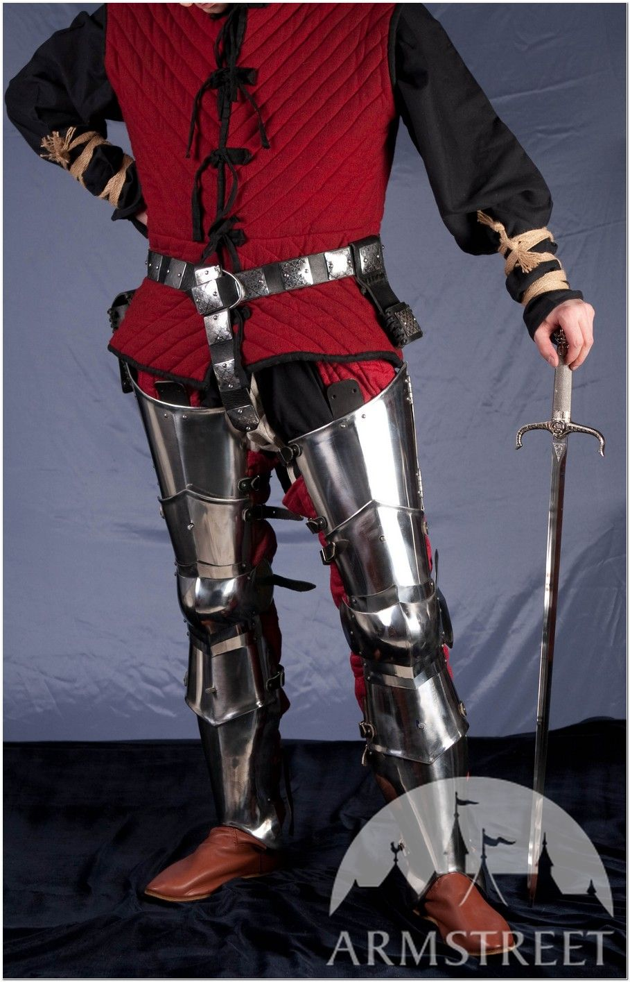 Medieval armor: SCA-oriented armour leg harness