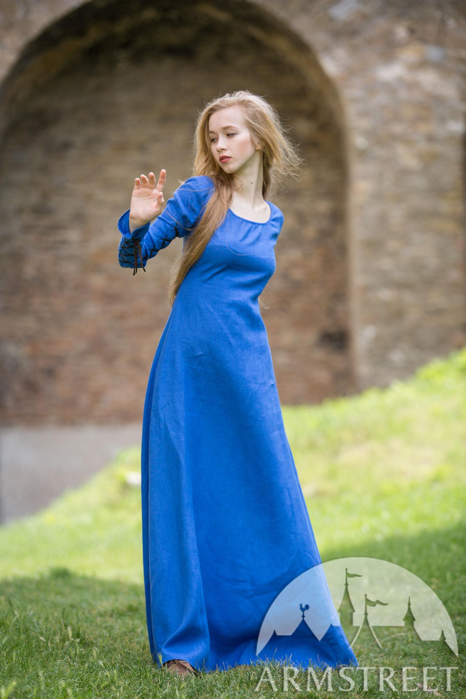 Crowns For Sale >> Original medieval stile dress, hat and skirt set. Natural ...