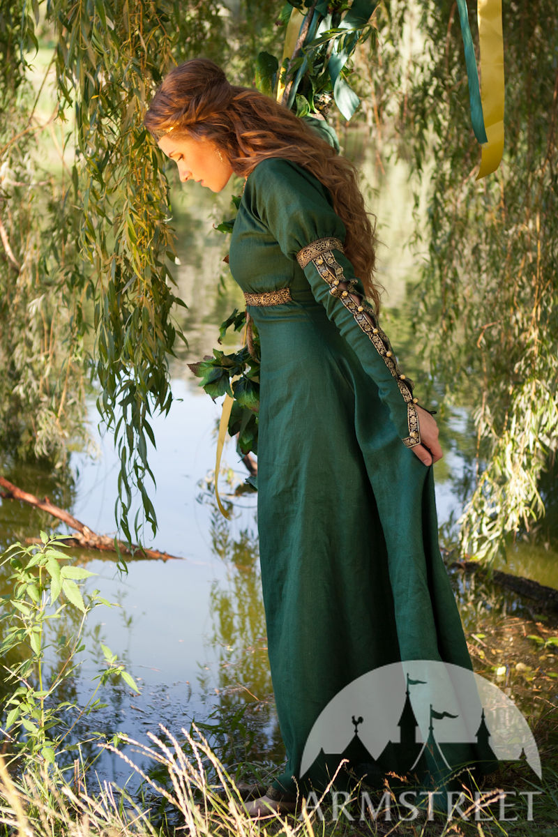 this is an elegant natural flax linen dress actually this garb rings a bell for late medieval. Black Bedroom Furniture Sets. Home Design Ideas