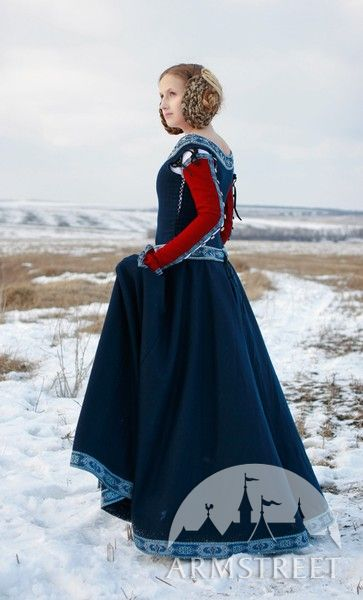 Medieval Fantasy dress Red Sleeves