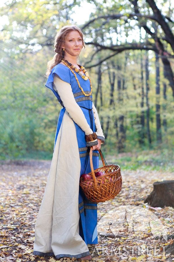 natural flax linen medieval dress and surcoat garb for