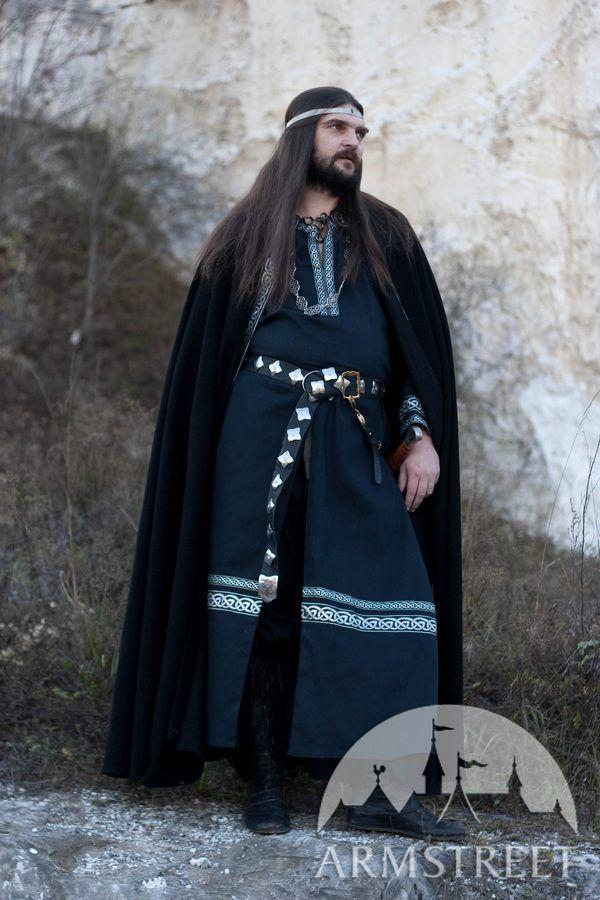 """Medieval Woolen Black Cloak """"Raven"""""""