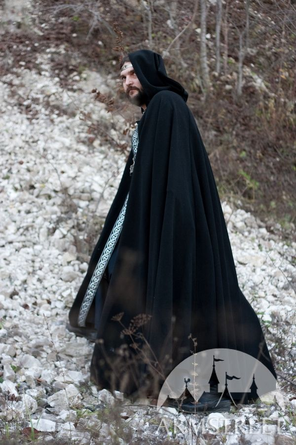 I'm satisfied with the speed of the delivery and the price of the cloak, as well as the size of the hood. What I don't like is the shortness of the cloak and the poor stitching of the lace for the tie/5(22).