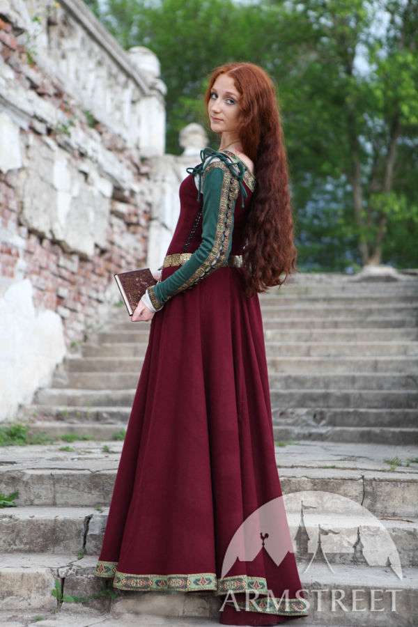 Medieval Dress Greensleeves For Noblewomen Available