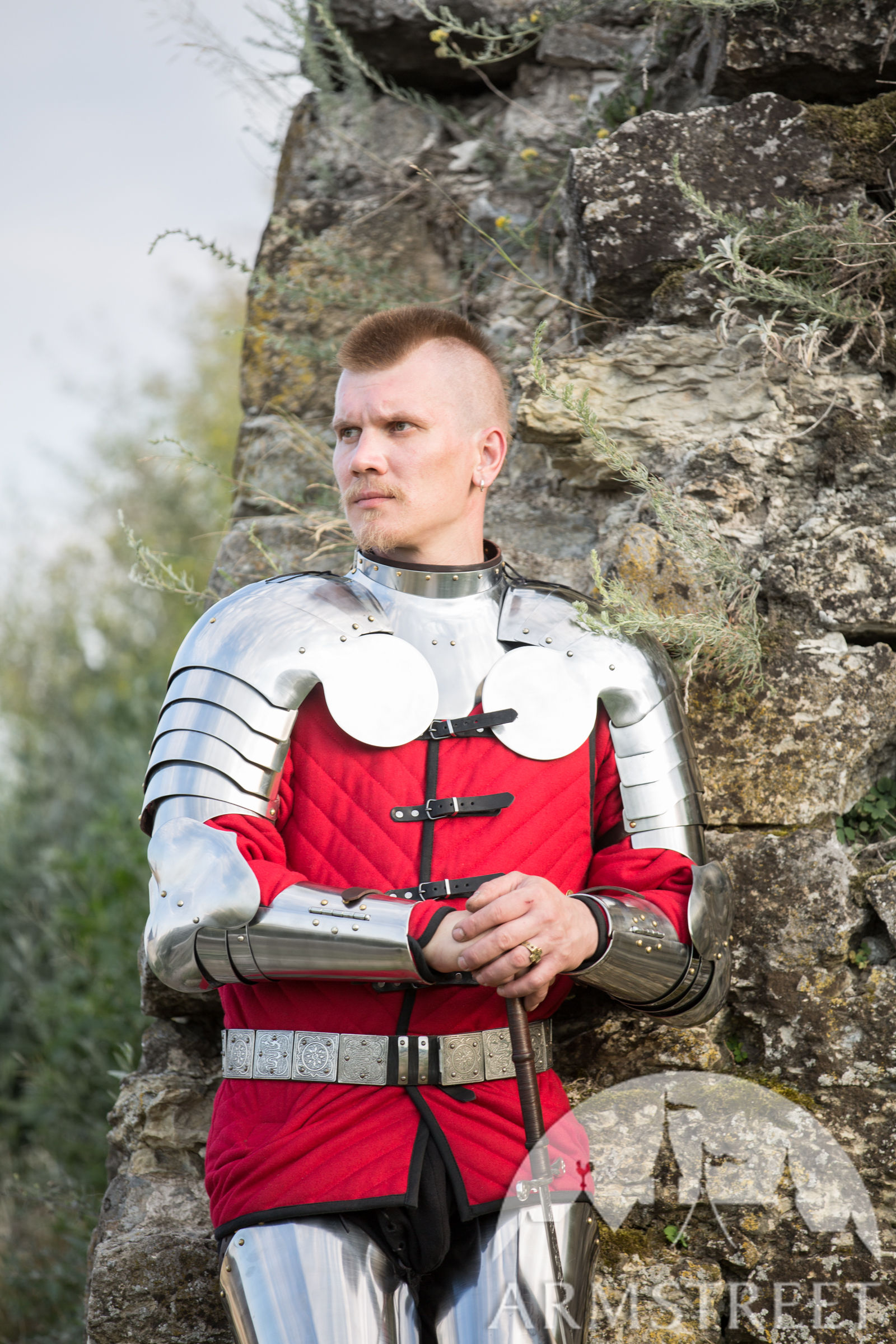"Gorget and Pauldrons Set ""Errant Squire"""