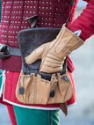 "Armor Leather Gauntlets ""Hound Of War"""