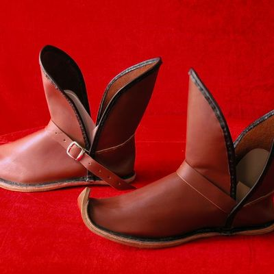 2b9a9282908e7 Renaissance leather medieval SCA or reenactment boots. Custom sized ...