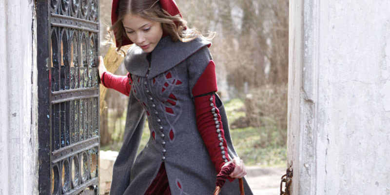 "Exclusive Woolen Coat ""Red Riding Hood"""