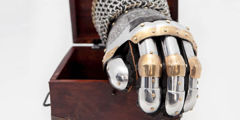 "Finger Gauntlets ""Prince of the East"" Armor"