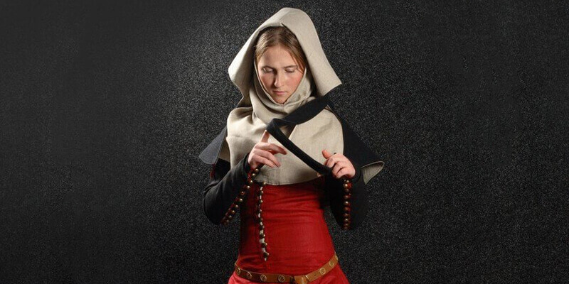 """Medieval Dream"": Dress With Detachable Sleeves, Gorget And Hood"