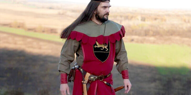 "New Garb: Medieval Tunic, Hood And Surco ""The Return of the Paladin"""