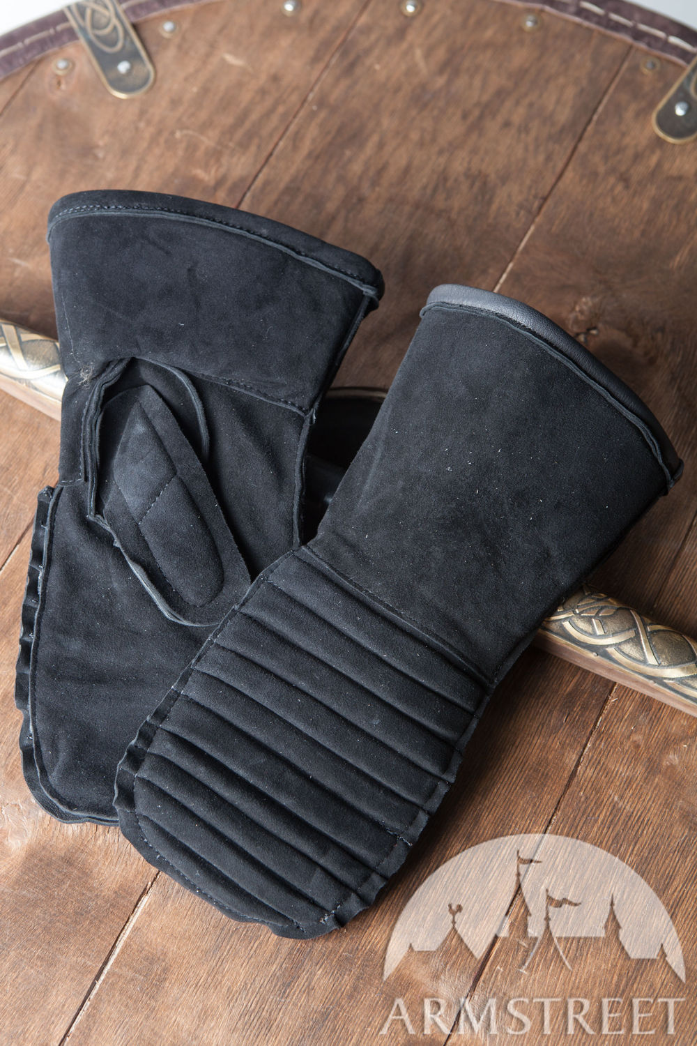 Padded Medieval Mittens Gloves by ArmStreet