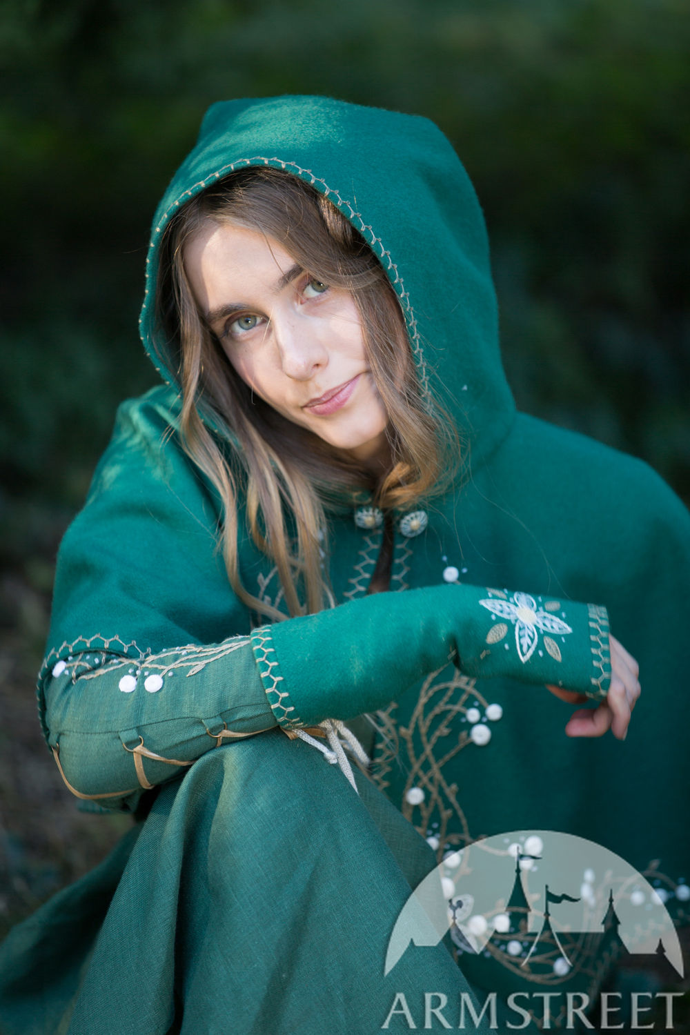 "Embroidered woolen hood and mittens set ""Fairy Tale"""